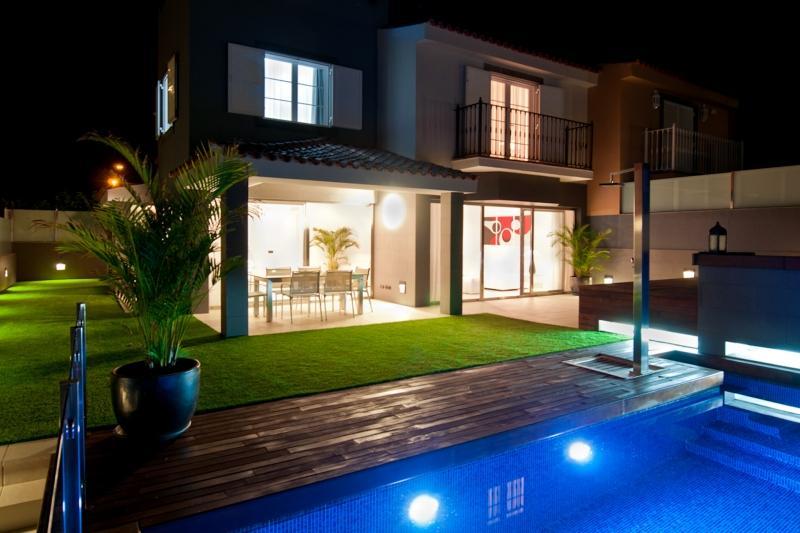 3 bedroom Villa in Maspalomas, Gran Canaria, Canary Islands : ref 2307482 - Image 1 - Maspalomas - rentals