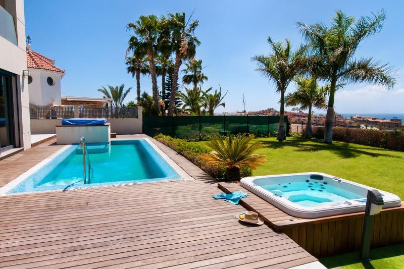 3 bedroom Villa in Maspalomas, Gran Canaria, Canary Islands : ref 2307483 - Image 1 - Maspalomas - rentals