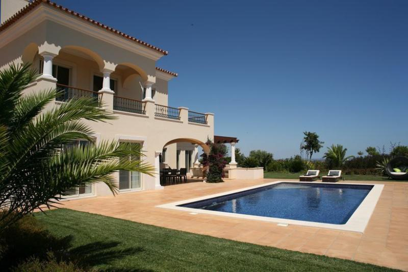 4 bedroom Villa in Tavira, Algarve, Portugal : ref 2308005 - Image 1 - Tavira - rentals