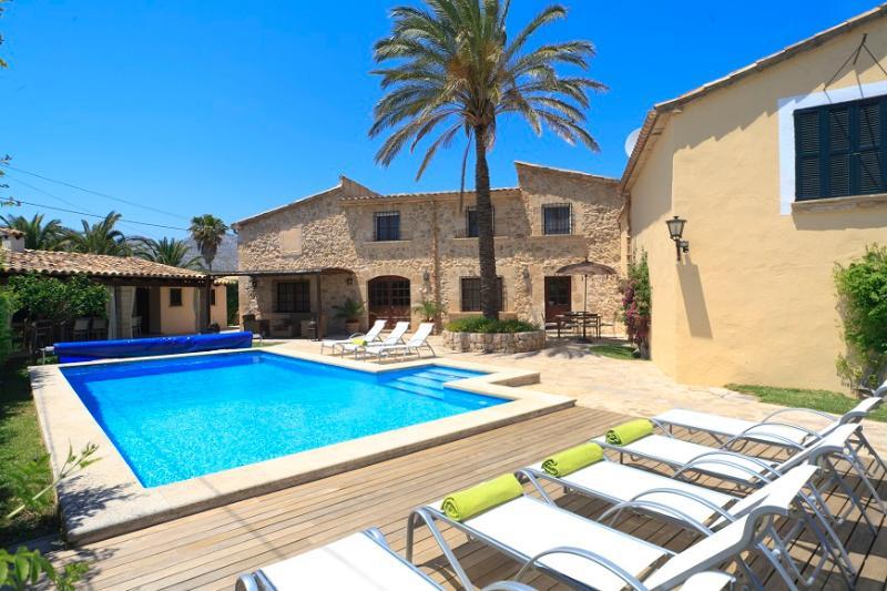 4 bedroom Villa in Pollença, Mallorca, Mallorca : ref 3772 - Image 1 - Cala San Vincente - rentals