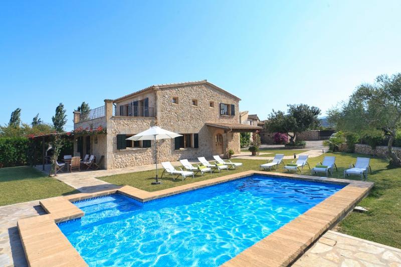 4 bedroom Villa in Pollença, Mallorca, Mallorca : ref 3773 - Image 1 - Cala San Vincente - rentals