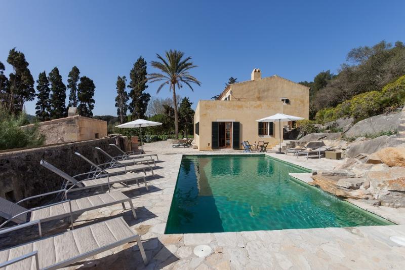 4 bedroom Villa in Cala San Vicente, Mallorca, Mallorca : ref 3774 - Image 1 - Cala San Vincente - rentals