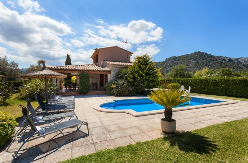 4 bedroom Villa in Pollença, Mallorca, Mallorca : ref 3777 - Image 1 - Pollenca - rentals