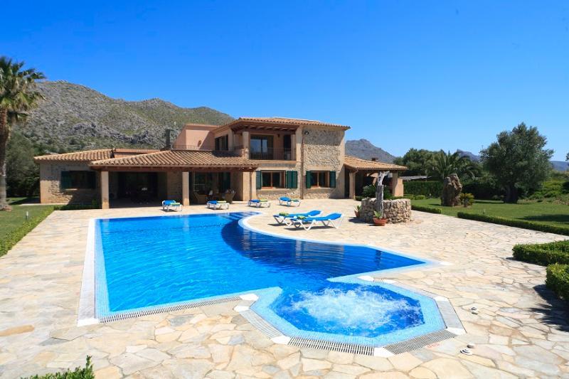 5 bedroom Villa in Pollença, Mallorca, Mallorca : ref 3785 - Image 1 - Cala San Vincente - rentals