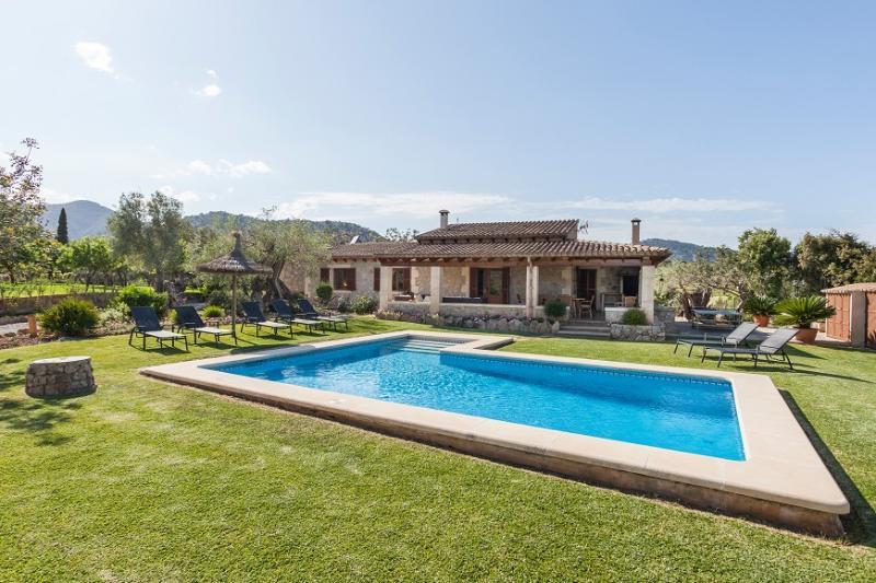 4 bedroom Villa in Pollença, Mallorca, Mallorca : ref 3828 - Image 1 - Pollenca - rentals
