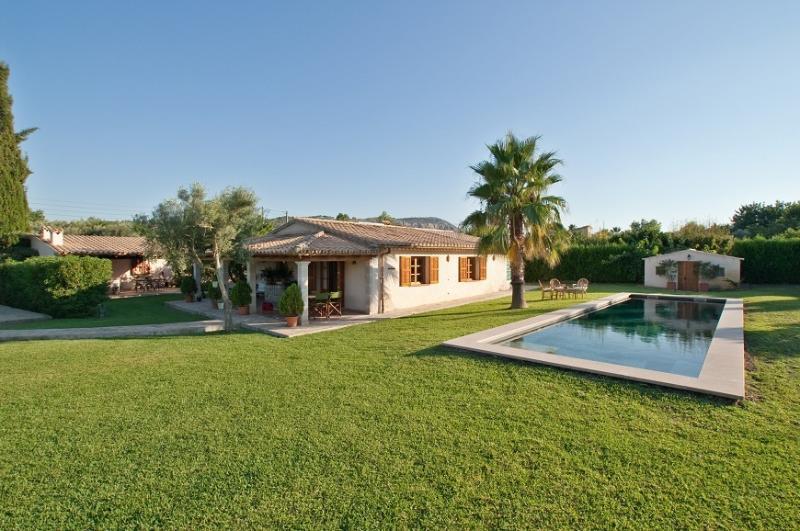 2 bedroom Villa in Pollença, Mallorca, Mallorca : ref 3847 - Image 1 - Pollenca - rentals