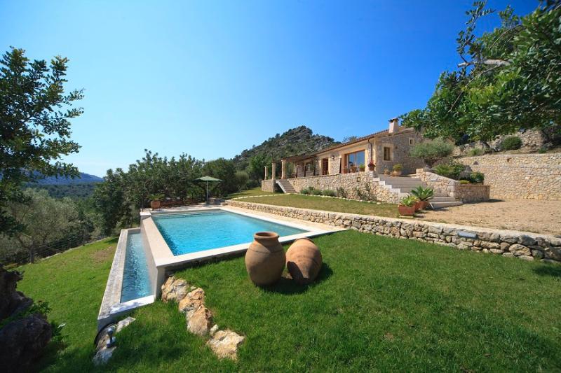 3 bedroom Villa in Pollença, Mallorca, Mallorca : ref 3849 - Image 1 - Pollenca - rentals