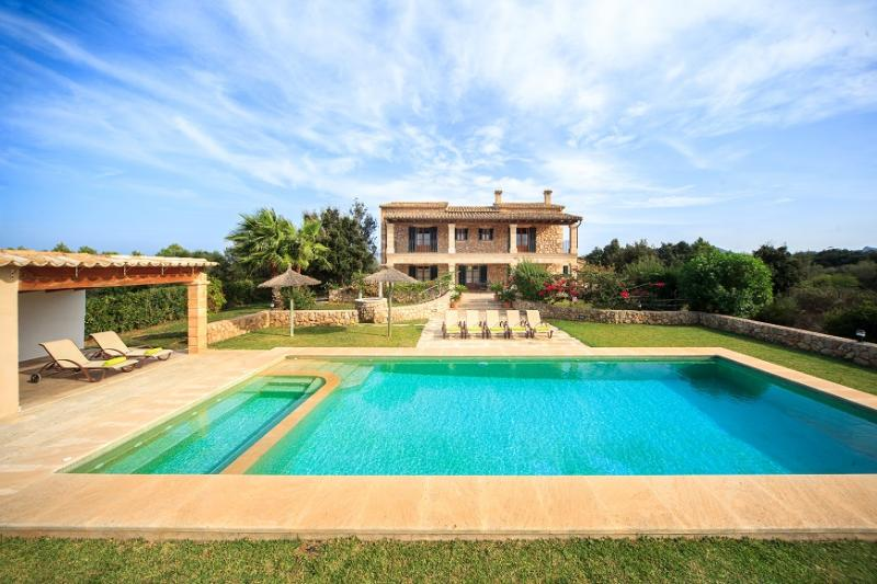 4 bedroom Villa in Pollença, Mallorca, Mallorca : ref 3995 - Image 1 - Pollenca - rentals