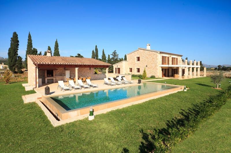 3 bedroom Villa in Pollença, Mallorca, Mallorca : ref 4000 - Image 1 - Pollenca - rentals