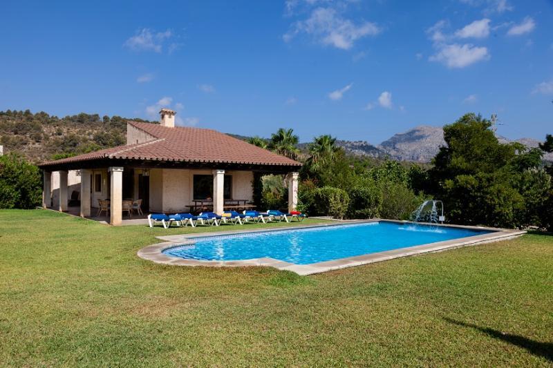 3 bedroom Villa in Pollença, Mallorca, Mallorca : ref 3999 - Image 1 - Pollenca - rentals