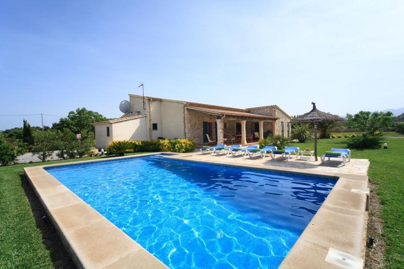 3 bedroom Villa in Puerto Pollença, Mallorca, Mallorca : ref 4020 - Image 1 - Puerto Pollensa - rentals