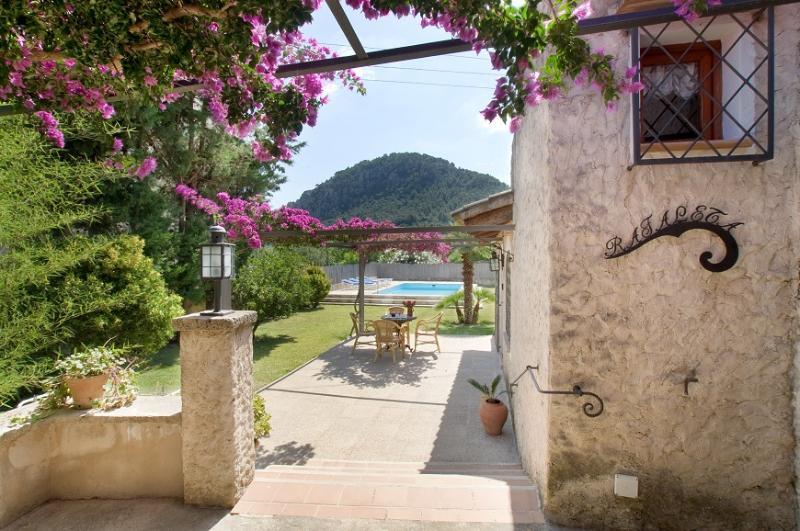 2 bedroom Villa in Pollença, Mallorca, Mallorca : ref 4023 - Image 1 - Pollenca - rentals