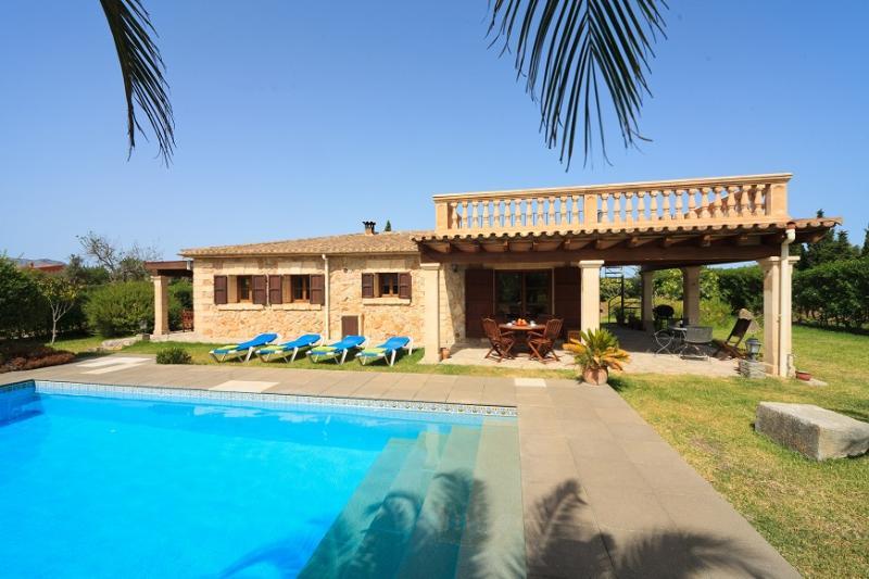 2 bedroom Villa in Pollença, Mallorca, Mallorca : ref 4033 - Image 1 - Pollenca - rentals