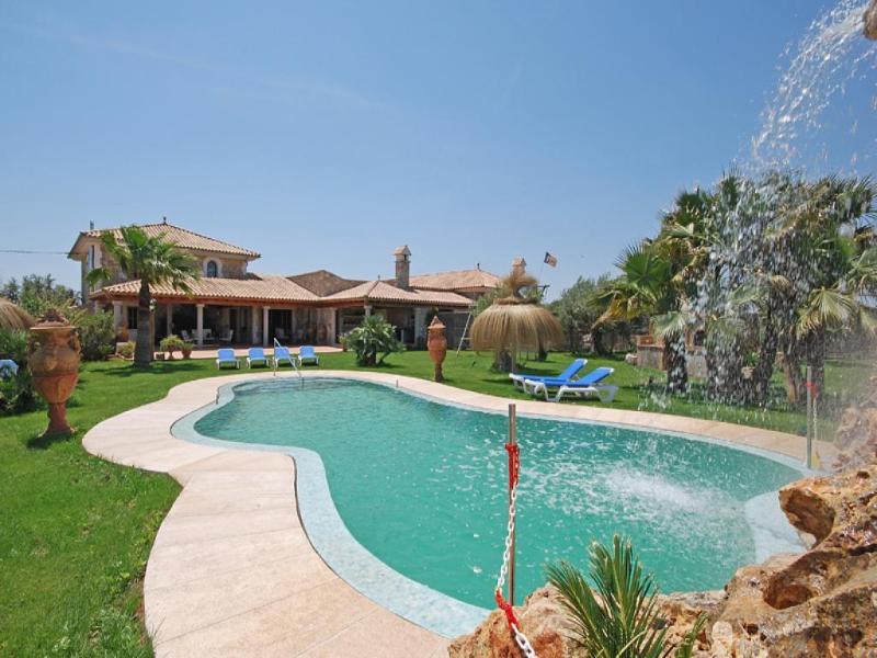 6 bedroom Villa in Muro, Mallorca : ref 4073 - Image 1 - Muro - rentals