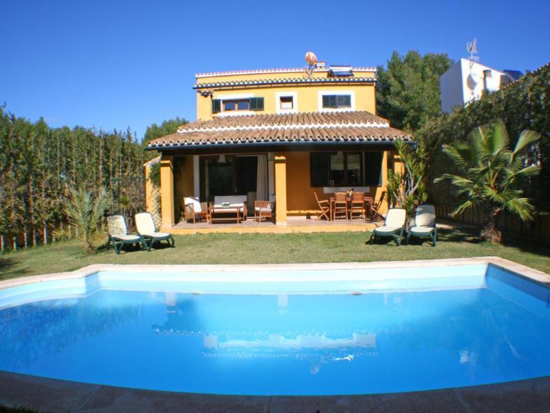 4 bedroom Villa in Alcudia, Mallorca : ref 4689 - Image 1 - Alcudia - rentals