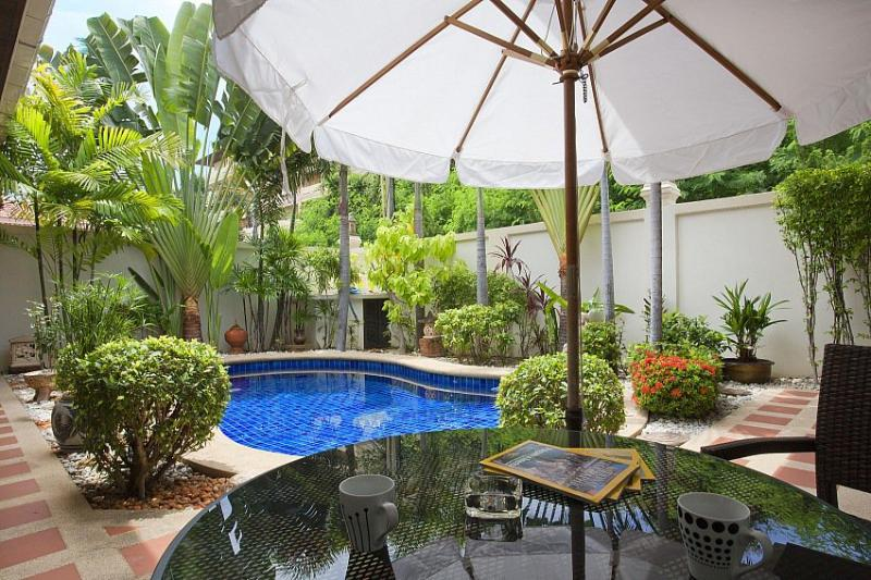 Central 2 bed pool villa 700m to beach - Image 1 - Jomtien Beach - rentals
