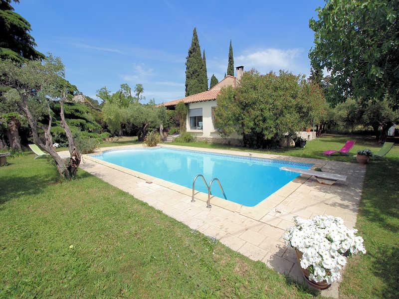 Beaucaire Gard, Villa 8p. private pool, 3 km to town center - Image 1 - Beaucaire - rentals