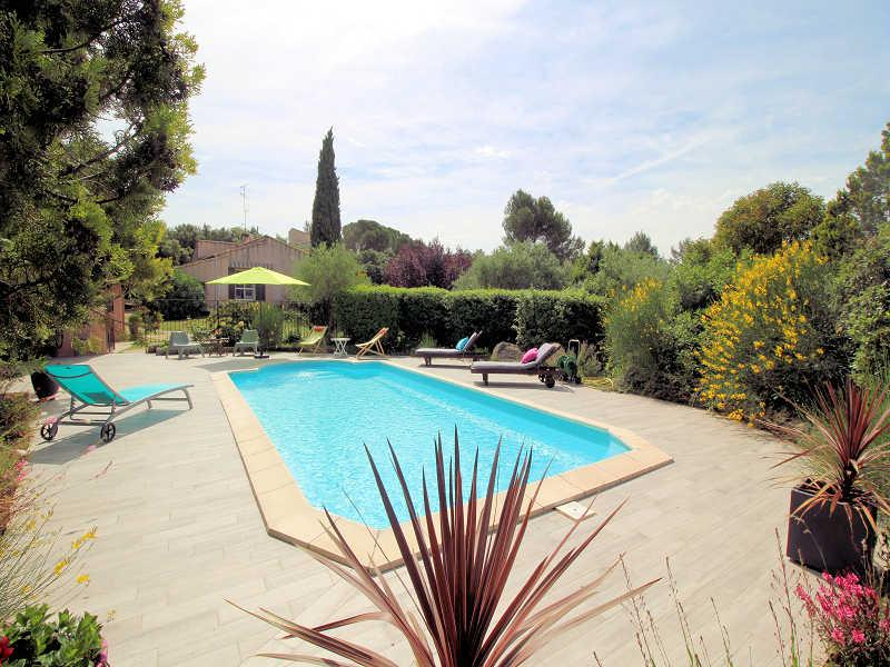 Beaucaire Gard, villa 8p. private pool, large park - Image 1 - Beaucaire - rentals