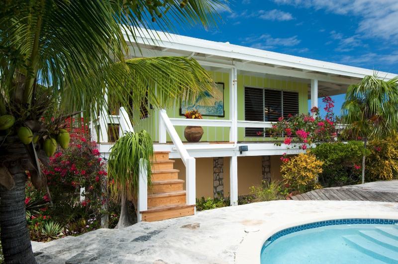 Reef Beach House - Image 1 - Thompson Cove - rentals
