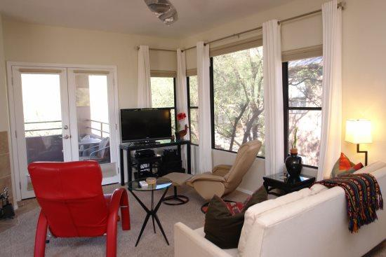 Living room - Canyon View 26201 - Tucson - rentals