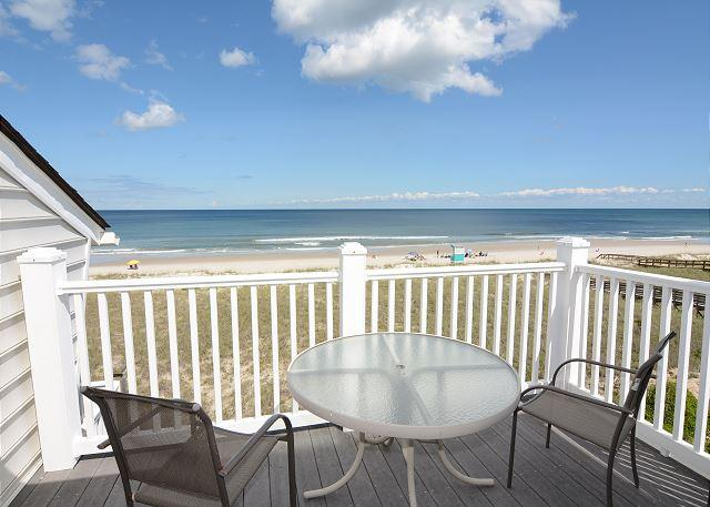 Cyn's Delight -  Chill out and unwind at this comfortable oceanfront condo - Image 1 - Carolina Beach - rentals