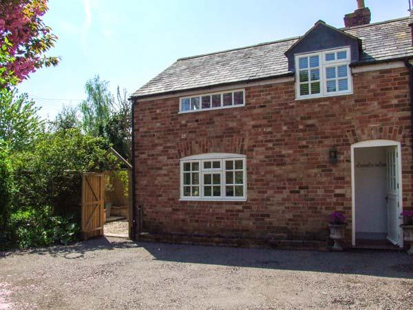 HOMESTEAD, woodburning stove, open plan, pet-friendly, in Halford, Shipston on Stour, Ref 906136 - Image 1 - Shipston on Stour - rentals