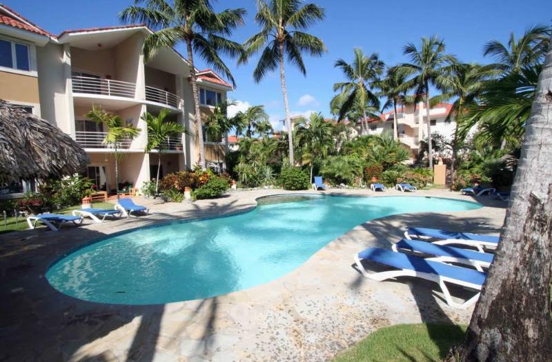 Condo front and Pool (the condo is 1 floor up on the left) - OCEAN DREAM 2 bed luxury condo Cabarete beach - Cabarete - rentals