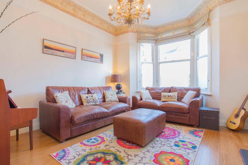 Lovely 4 bedroom family home in West Hampstead - Image 1 - London - rentals