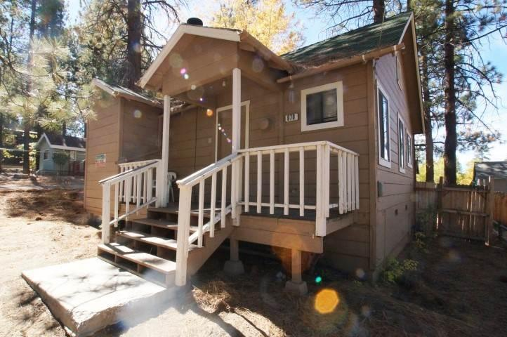 Knotty Pine Cabin - Image 1 - City of Big Bear Lake - rentals