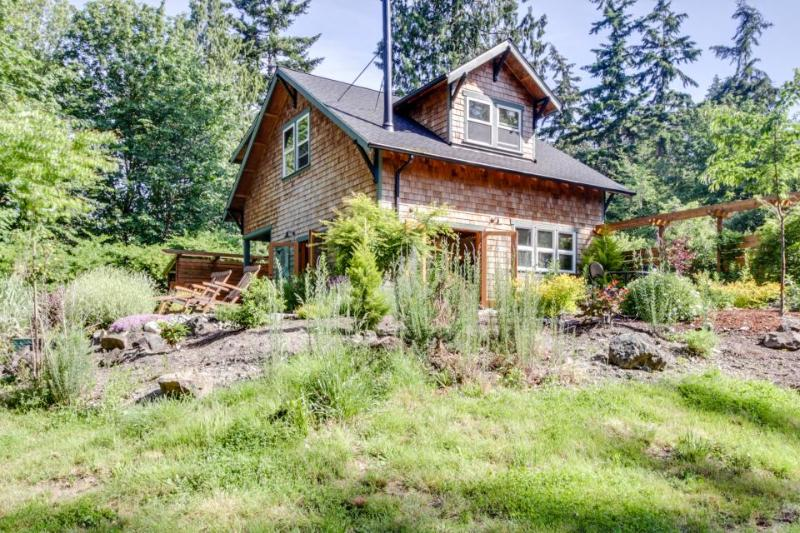 Art-filled retreat surrounded by trees & gardens, almost an acre of land! - Image 1 - Bainbridge Island - rentals