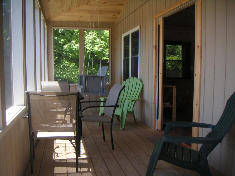Relax on the Screened Porch - Thousand Islands - Osprey Lodge at Oak Point - Hammond - rentals