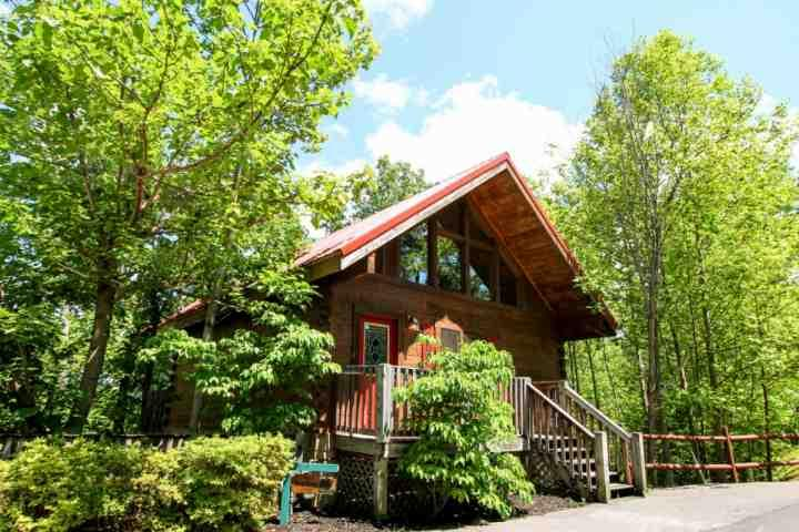 The Great Escape - Perfect Vacation Retreat! Convenient to Gatlinburg & Pigeon Forge! - Image 1 - Gatlinburg - rentals