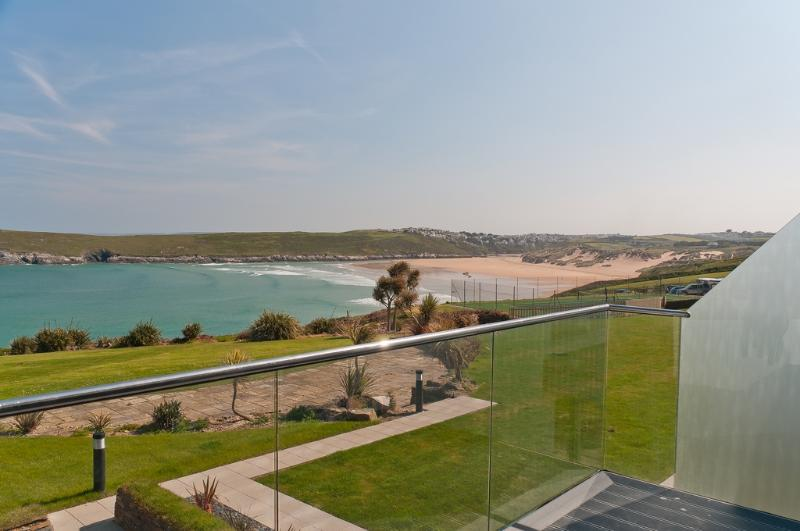 Surf, Crantock located in Newquay, Cornwall - Image 1 - Newquay - rentals