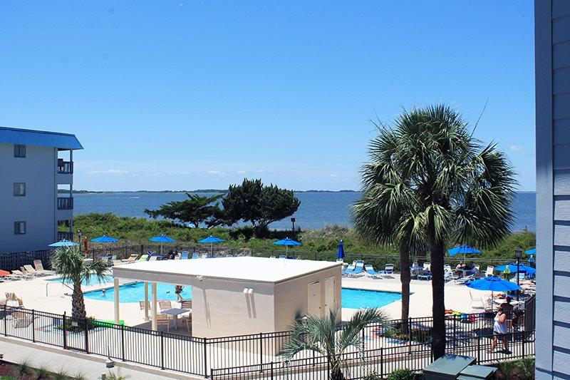 Savannah Beach & Racquet Club Condos - Unit A211 - FREE Wi-Fi - Swimming Pools - Image 1 - Tybee Island - rentals