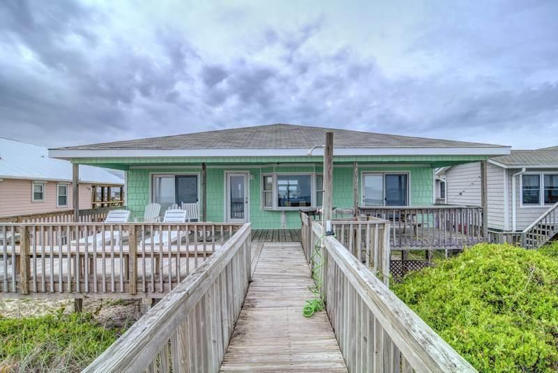 BRIGHT'S BEACH FRONT - Image 1 - Topsail Beach - rentals