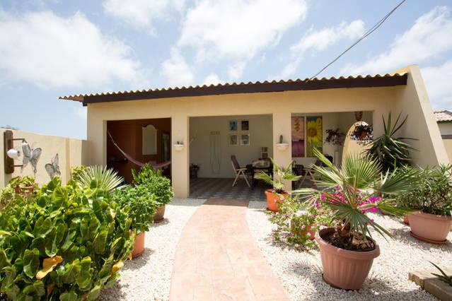 Casa Piedra Plat with Large Porch for a BBQ dinner  - Beautiful vacation home at Piedra Plat - Paradera - rentals
