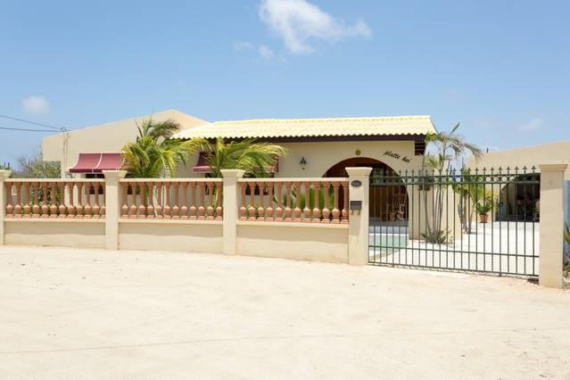 Street view Casa Piedra Plat, fully fenced property - Beautiful vacation home at Piedra Plat - Paradera - rentals