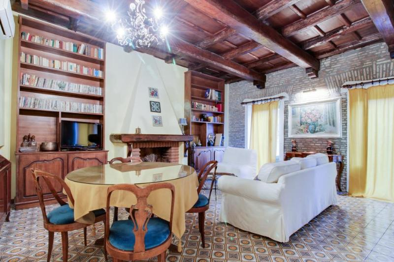 Elegant European getaway in the heart of Historic Rome - walk to Spanish Steps! - Image 1 - Rome - rentals