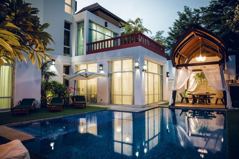 Jomtien Chic BBQ Pool Villa 7 Beds - Image 1 - Pattaya - rentals
