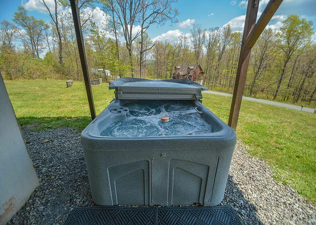 Hot Tub - Impressive Mountain Log Home in tranquil setting! - Swanton - rentals