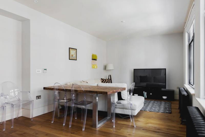 One Fine Stay - Wardour Street III apartment - Image 1 - London - rentals