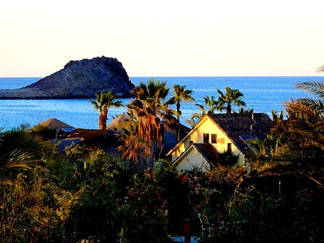 Ocean view 2-bedroom, 2-bath villa, sleeps 6- to 8-guests. - EL NIDO @ Baja Paradise - Cabo Pulmo - rentals