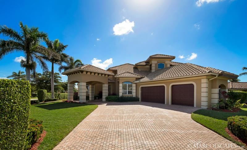 BARBADOS - Classic Southern Tommy Bahama Waterfront Island Villa! - Image 1 - Marco Island - rentals