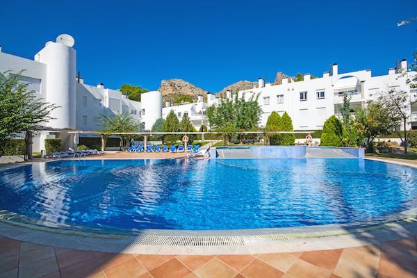 3 bed Apartment less than 100m from beach - Image 1 - Port de Pollenca - rentals