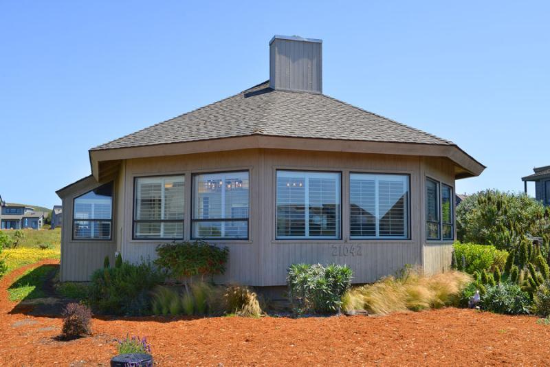 Coast Haven – new - Image 1 - Surte - rentals