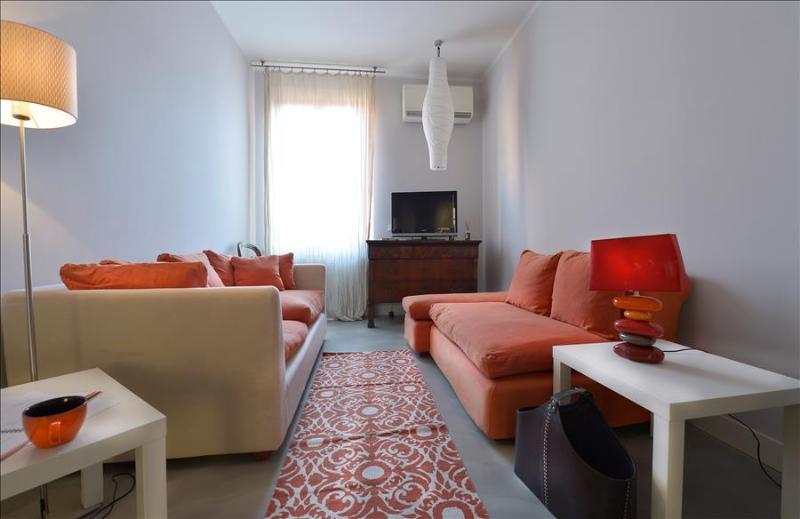 Elegant, bright, central 2bdr - Image 1 - Bologna - rentals