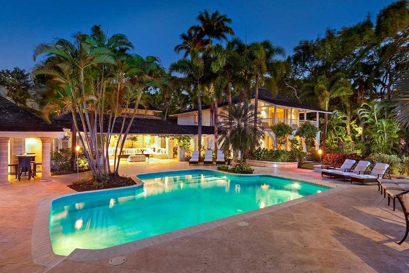 Bluff House, Sleeps 12 - Image 1 - Sandy Lane - rentals