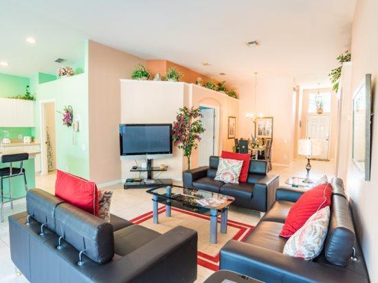 4 Bedroom 3 Bath Villa in Windor Palms Gated Resort . 8208FPW - Image 1 - Orlando - rentals