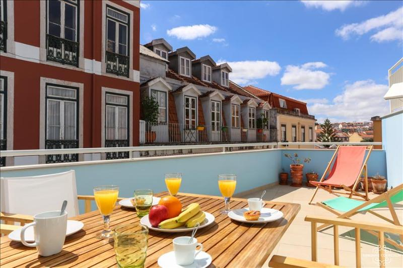 Ap2 - Principe Real Terrace - Image 1 - Lisboa - rentals