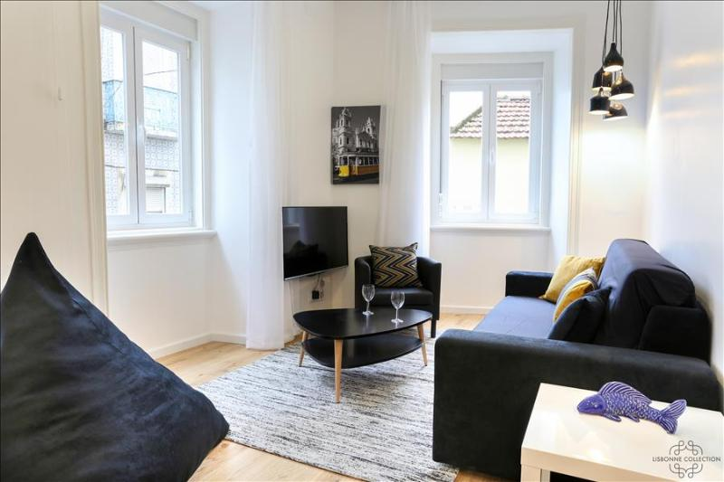 Ap10 - Modern apartment in the heart of authentic Lisbon, Mouraria district - Image 1 - Lisboa - rentals